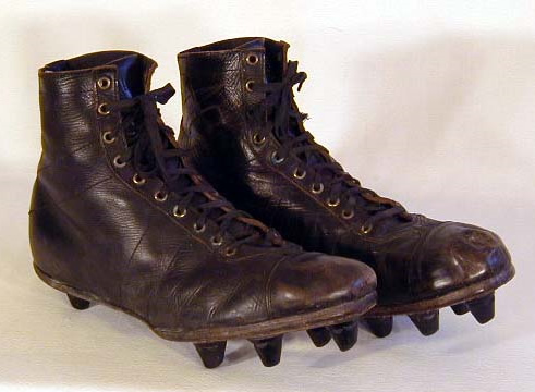 1930-40s-football-shoes.jpg